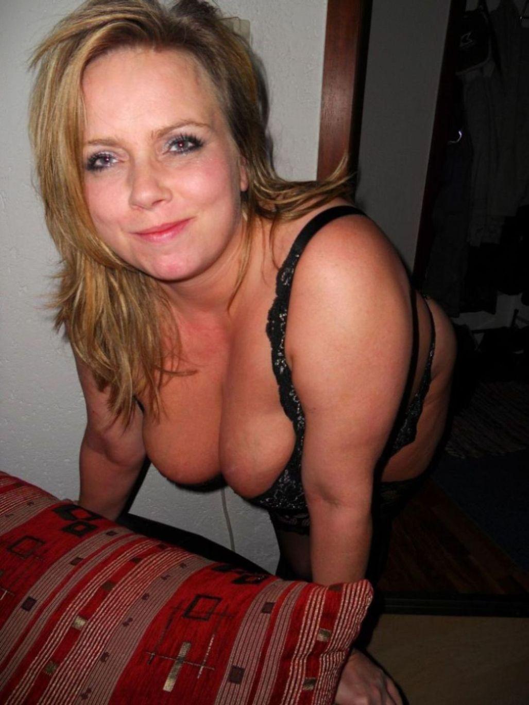 Deutsche Hausfrau Nackt